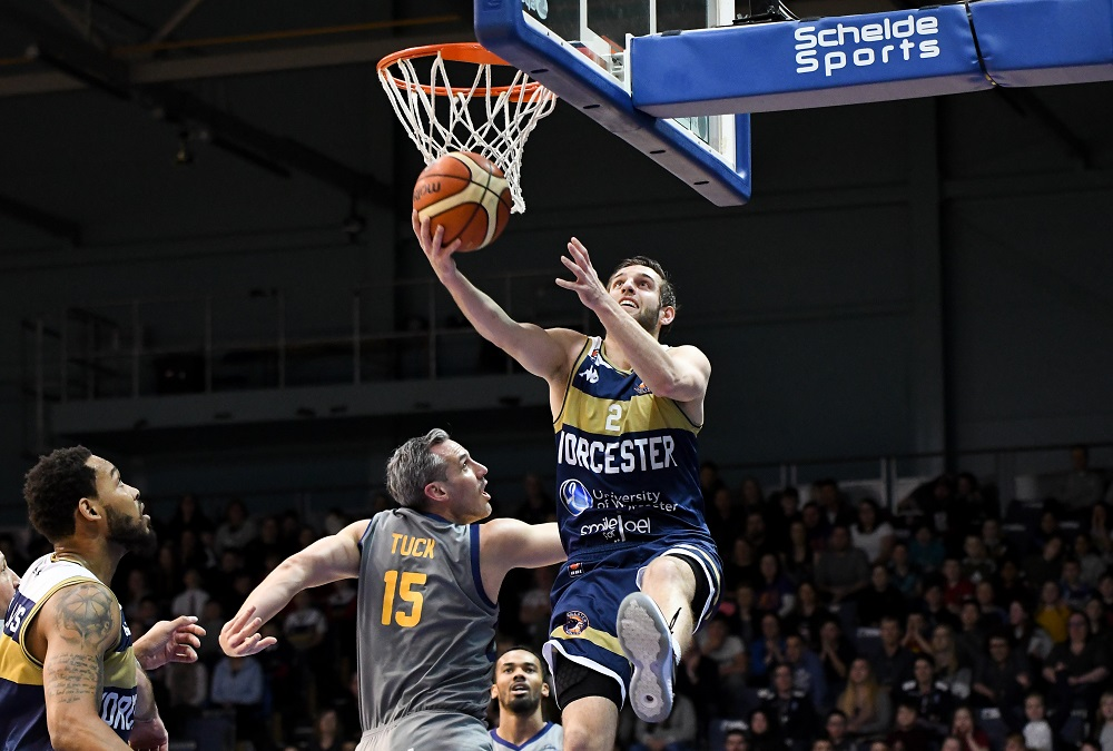 Worcester Wolves sweep aside Sheffield Sharks
