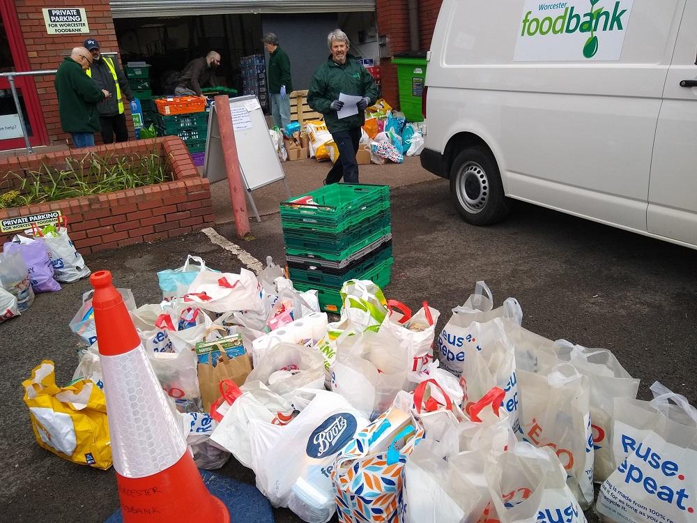 Littleworth mums boost Worcester Foodbank