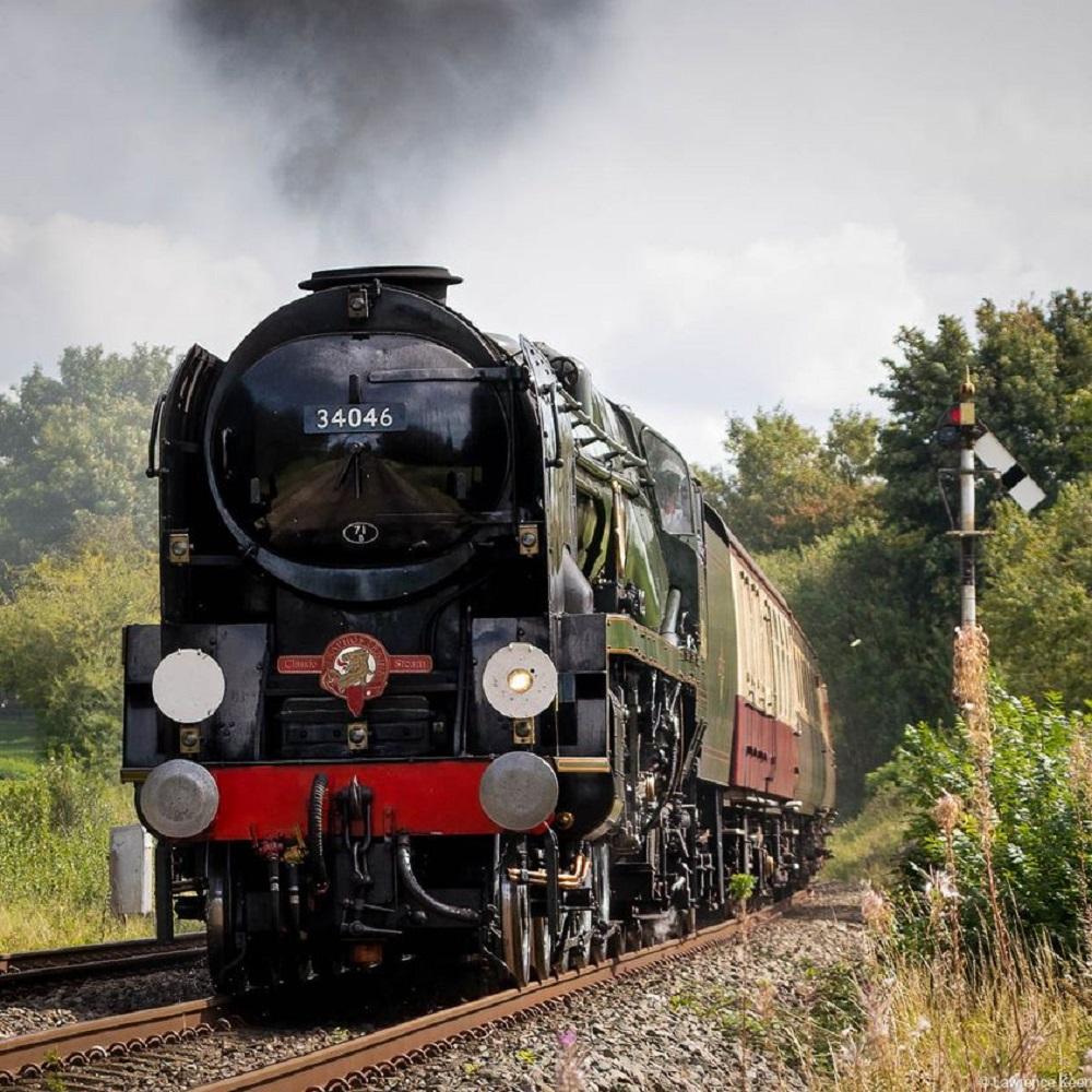 Locomotive steams through St Peter's
