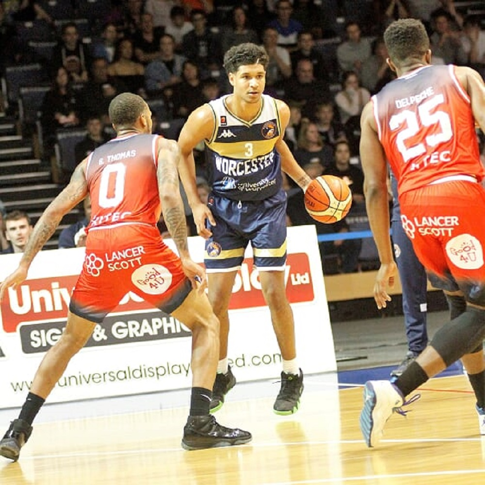 Worcester Wolves beat Bristol Flyers in thriller